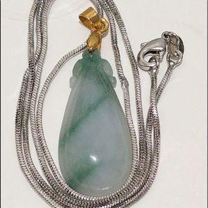 Type A lucky green jade pendant